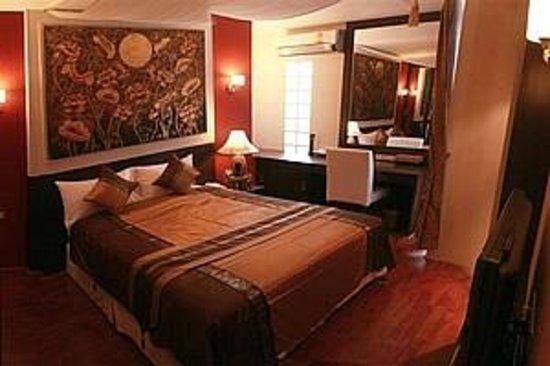 Mirth Sathorn Hotel: Superior Double Room
