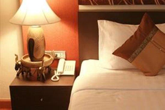 Mirth Sathorn Hotel: Superior Room