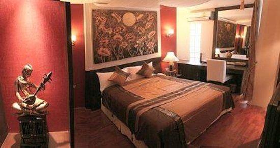 Mirth Sathorn Hotel: Superior Double