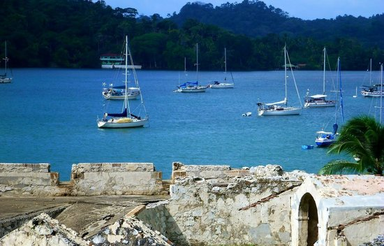 "Hostel Portobelo : whatever inspired Colombus to call it ""Puerto bello?"""