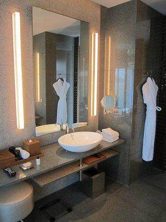 Park Hyatt Busan: Park Exctive Suite ~01  Bathroom