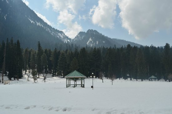 Betab Valley: Snow Filled Valley