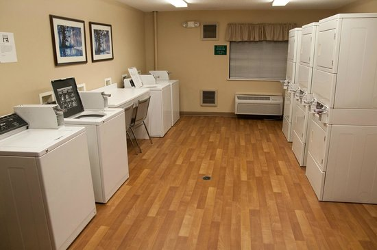 Extended Stay America - Toledo - Holland: Laundry Room