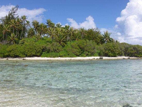 Tiahura Beach: Beach