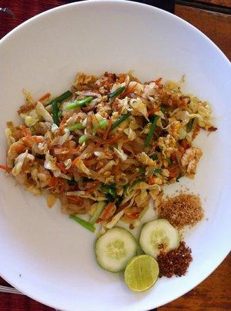 Chom Talay Restaurant: Pad Thai chicken