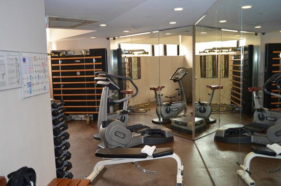 Furama City Centre: Gym
