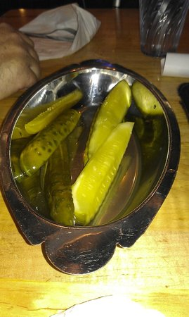 Chompie's : Yummy Pickle Platter