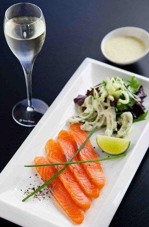 Date Restaurant: Smoked Salmon Gravlax / Somon Gravlax Füme