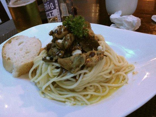 Saylo Cuisoine: Chicken Adobo Pasta