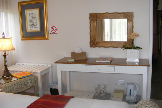 Linkside2 Guest house: Dressing table room 1
