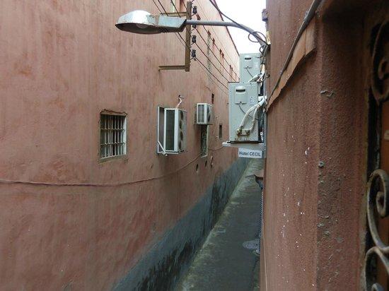 Hotel Cecil Marrakech: vista a la calle desde la habitacion