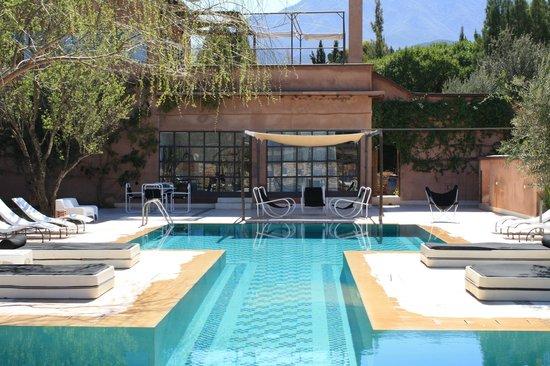 Domaine Malika : vue piscine, salle de massage, hammam