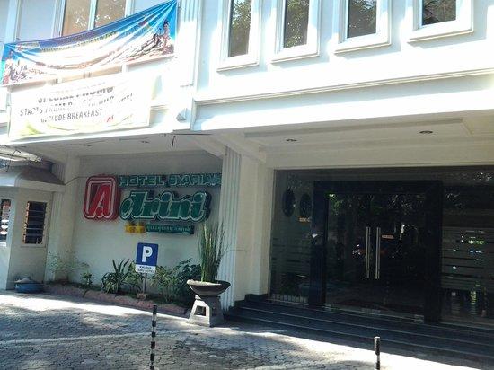 Arini Hotel : Hotel entrance