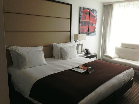 Pestana Chelsea Bridge Hotel & Spa London: Chambre / Room  / 8 th floor