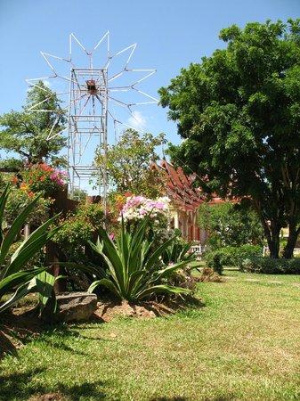 Baumancasa Karon Beach Resort: прогулки по острову
