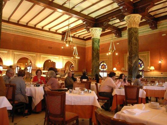 Hotel Alhambra Palace: 朝ご飯
