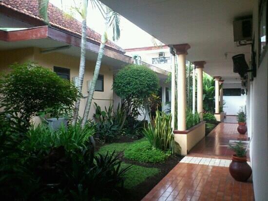 Hotel Kartika Kusuma: Taman hotel