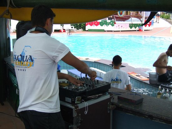 Aqua Fantasy Aquapark Hotel & SPA: Party on the pool !