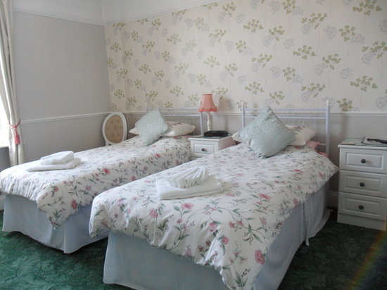Crimdon Dene Guest House: Twin Room