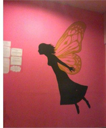 Lok Ann Hotel: Lovely wall deco