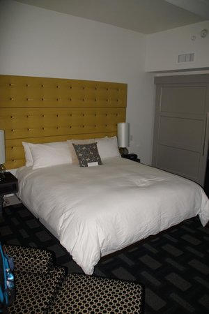Padre Hotel : Style and Comfort