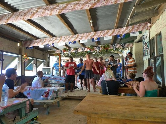 Mana Lagoon Backpackers: The welcome song.