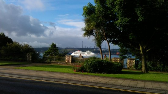 Belhaven House Hotel: a view from the Bar