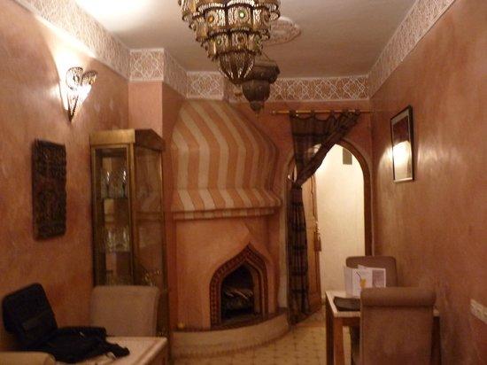 Riad Jonan: Lounge area