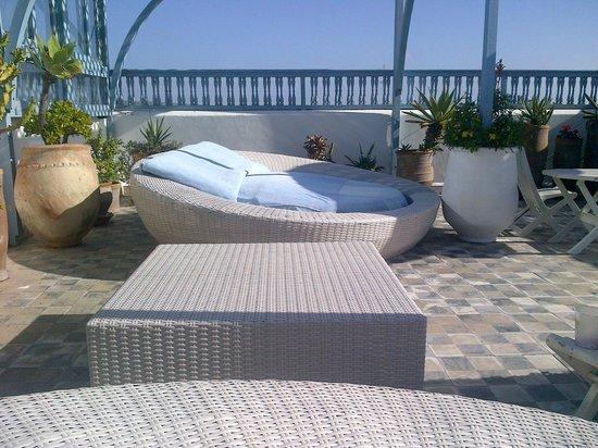 L'Heure Bleue Palais : rooftop loungers