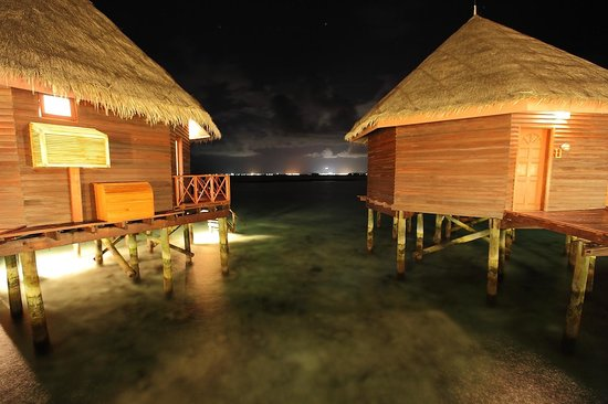 Thulhagiri Island Resort: Водники