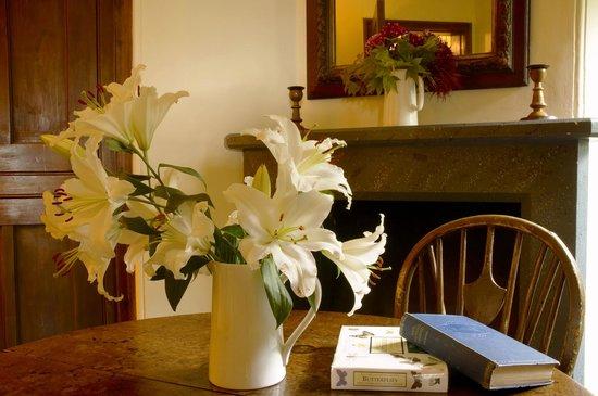 Swiss Cottage: Dining room