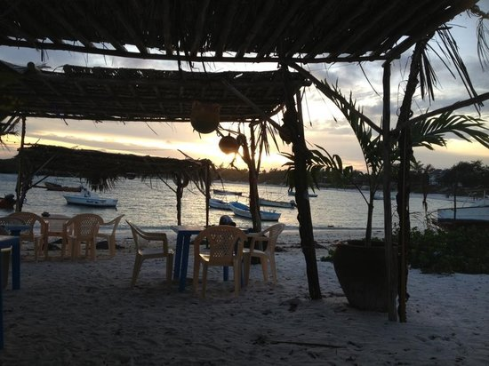 Aquarius Watamu Beach Resort: bar al tramonto
