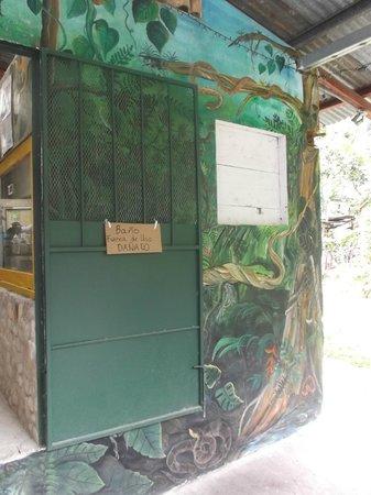 El Serpentario: WC défectueuse au 17 mars 2013.
