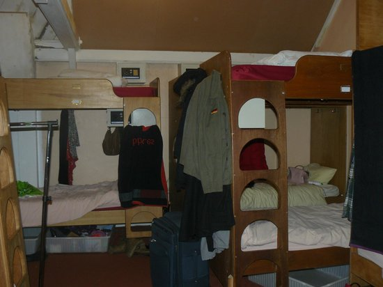 Bristol Backpackers Tourist Hostel : Room 10 pax
