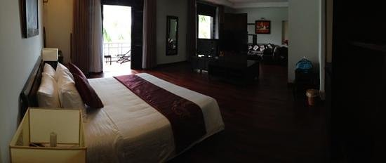 Hoi An Beach Resort: suite room