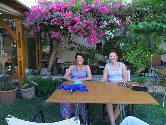 Taverna Kipos Garden : In summer 2012