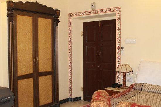 Devi Niketan Heritage Hotel: room pic
