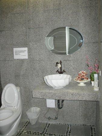 Surintra: baño