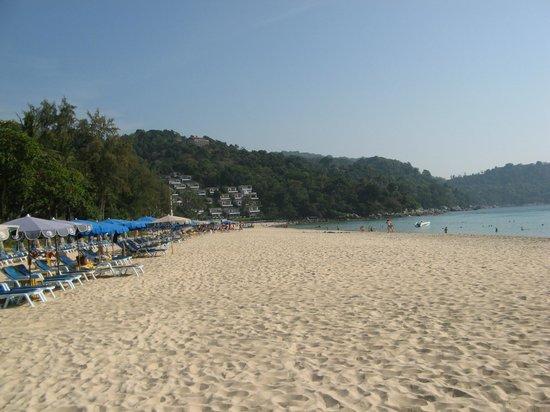 Katathani Phuket Beach Resort: Strand Kata Noi nach Süden