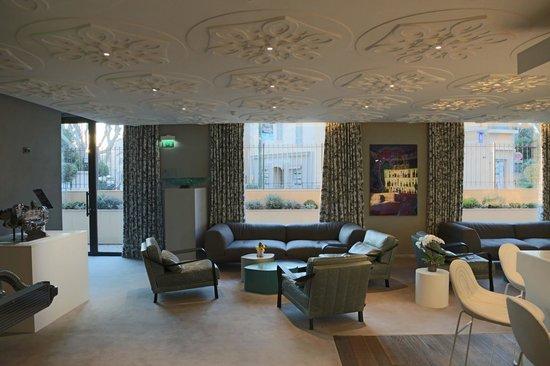 Hotel de Paris Saint-Tropez: Lounge-Bereich und Bar