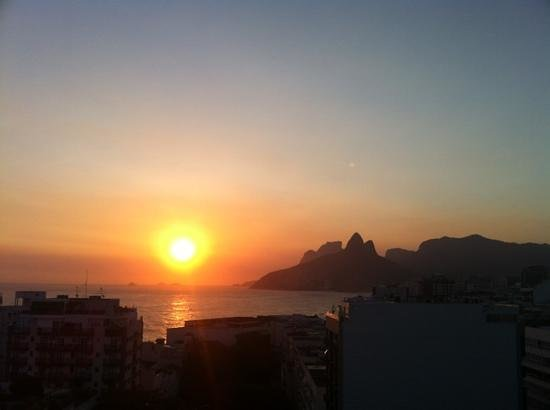 Atlantis Copacabana: sunset on the rooftop