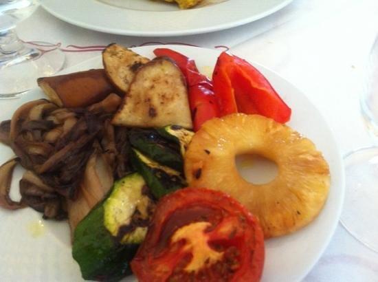 Trattoria L'Oasi : verdura e frutta alla griglia