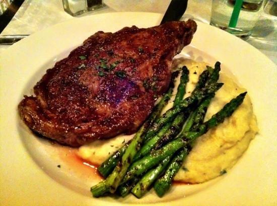 The Hartsburg Grand Restaurant : steak!