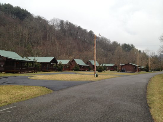 New River Trail Cabins: Row of cabins