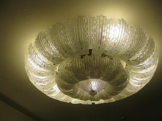Starhotels Majestic: il lampadario della hall