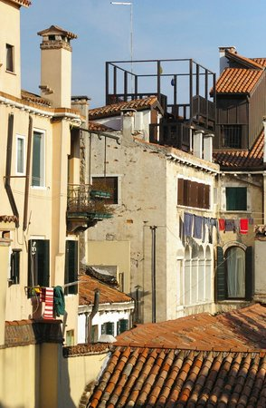 Vid Iz Okna Picture Of Alloggi Santa Sofia Venice Tripadvisor