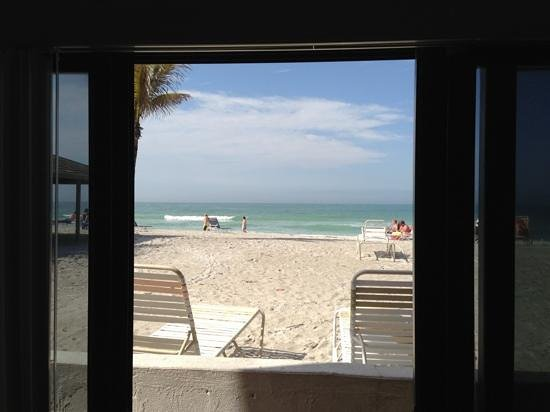 Gulf Beach Resort Motel: The view from room 309.