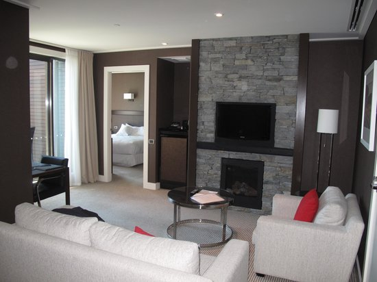 Hilton Queenstown Resort & Spa: living room