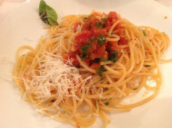 Storico Ristorante Italiano dal 1927: spaghetti