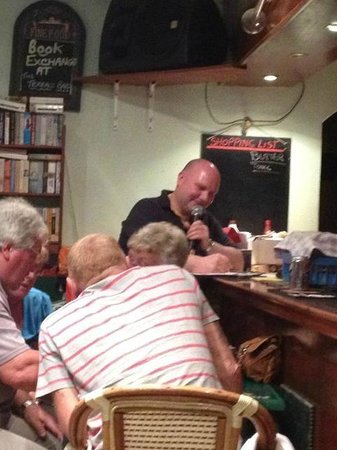 Terrace Bar : Paul entertaining everyone